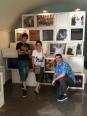 Ens acaben de visitar els nostres amics de Reus (Tarragona), fans d'en Lluís Llach i molt interessats en la Dansa de la Mort. S'han comprat dues samarretes de La Processó de Verges, un adhesiu i el DVD de l'últim concert d'en Lluís. Si sortiu a fer un tomb pel poble segur que els veieu!